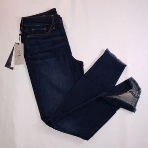 NYDJ AMI Skinny Ankle Jean's zip fray 6L